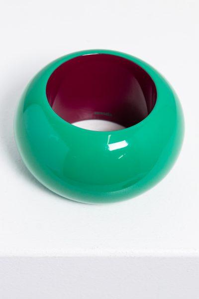 Hermès Armreif aus lackiertem Holz in grün