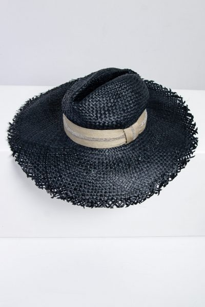 Brunello Cucinelli Strohhut mit Fransenkante und Perlen-Hutband