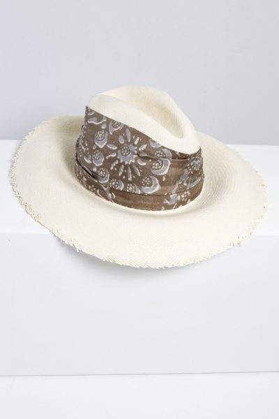 Brunello Cucinelli Strohhut mit Fransenkante und breitem Boho-Hutband